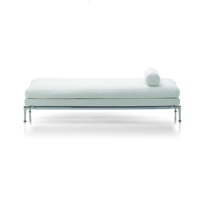Suita Day Bed
