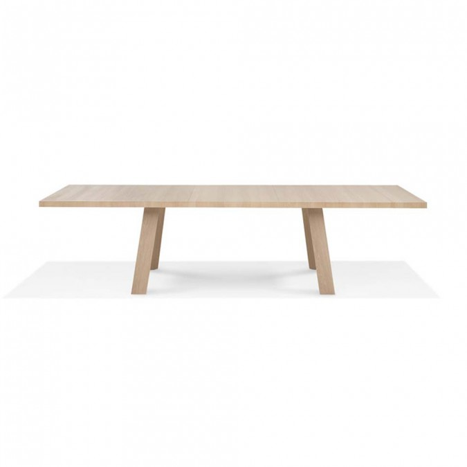 Tadeo Table – Wood Legs